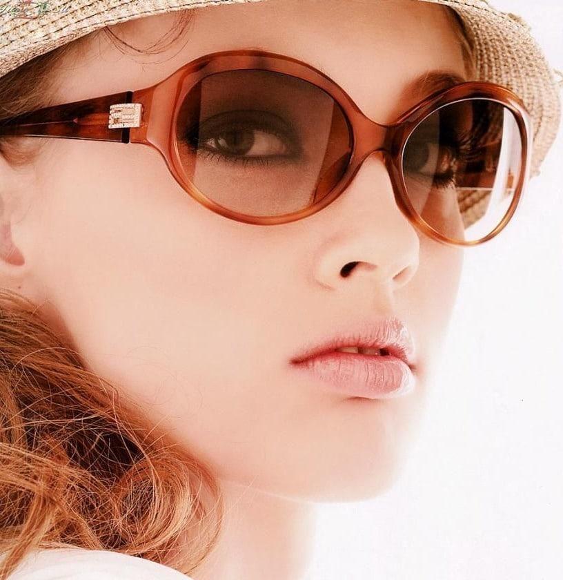 очки badgleymischka из чего изготовлена