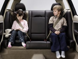 Ребенок в автомобили