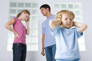 Як правильно сваритися в присутності дитини