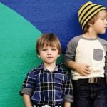 Якого кольору купувати одяг для дитини