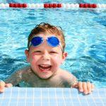 Советы родителям: как научить ребенка плавать