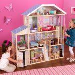 Сделай сам: кукольный домик для девочки