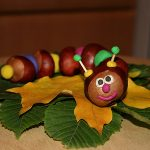 Детские поделки из каштанов, листьев и желудей: 5 новых идей