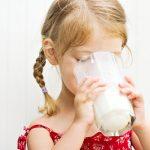 Чому не можна їсти молочні продукти