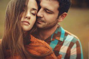 10 факторов, которые влияют на выбор партнера