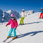 Зимние виды спорта: правила безопасности для всей семьи