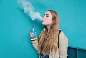 вейп, вейпинг, курение, подросток, девушка, девочка