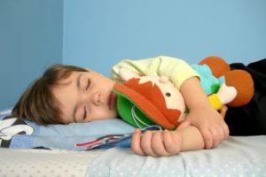 Как справиться с детскими ночными страхами