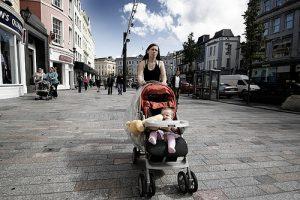 Что должно быть в сумке для прогулок с новорожденным