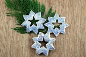 Мастер-класс: новогодние звездочки на елку из соленого теста