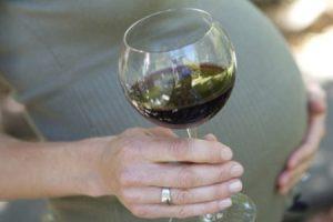 Алкоголь во время беременности: пить или не пить?