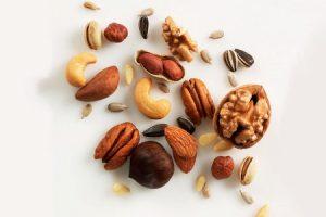 Семечки и орехи в рационе кормящей мамы