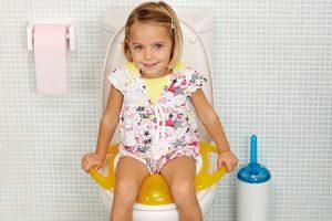 Советы родителям: как пручить ребенка к унитазу