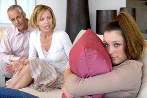 Советы родителям: что делать, если подросток грубит