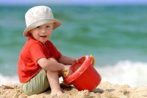 как защитить ребенка от болезней летом