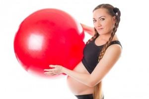 Занятия с фитболом во время беременности