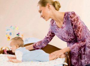 Советы родителям: учим ребенка переворачиваться