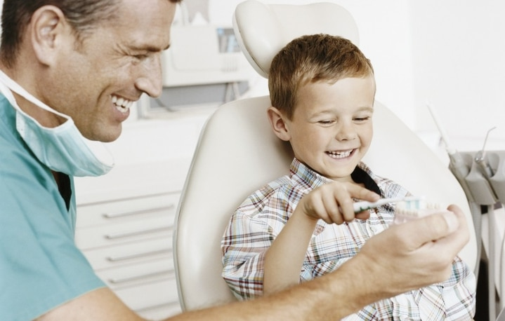 Детский страх перед стоматологом: как бороться