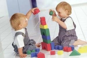 Простые развивающие игры для детей до трех лет