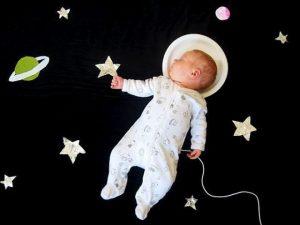 Как устроить домашнюю фотосессию для младенца