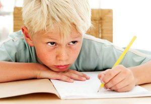Помощь с уроками: 7 правил для родителей