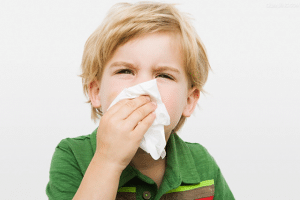 Народные средства для лечения насморка у ребенка