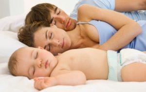 Плохой сон новорожденного: что делать?
