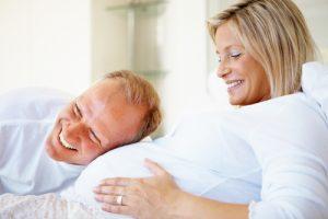 Поздняя беременность: плюсы и минусы