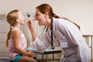 Аденоиды у ребенка: причины, симптомы, лечение