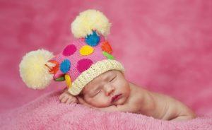 10 интересных фактов про новорожденных младенцев