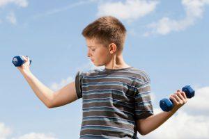 Как накачать мышцы без вреда здоровью: 4 совета подросткам