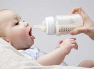 Советы молодым мамам: как размораживать сцеженное молоко