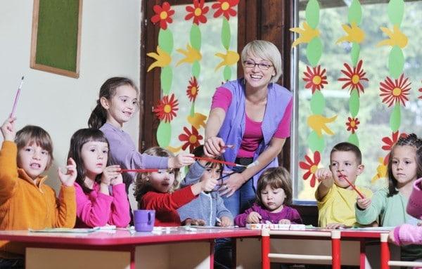 Как украсить помещение в детском садике к празднику