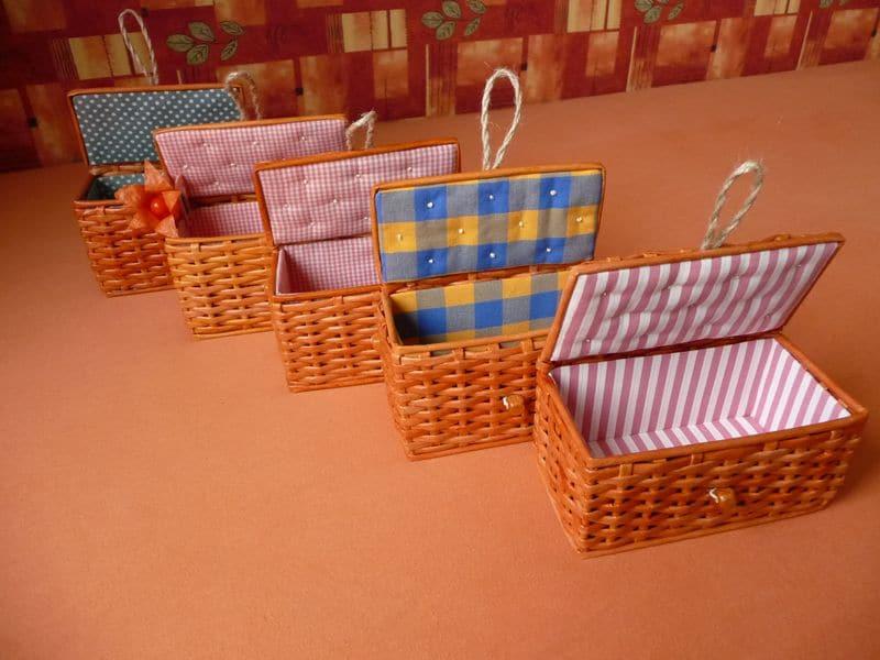 Мастер-класс: плетем корзинку из газет