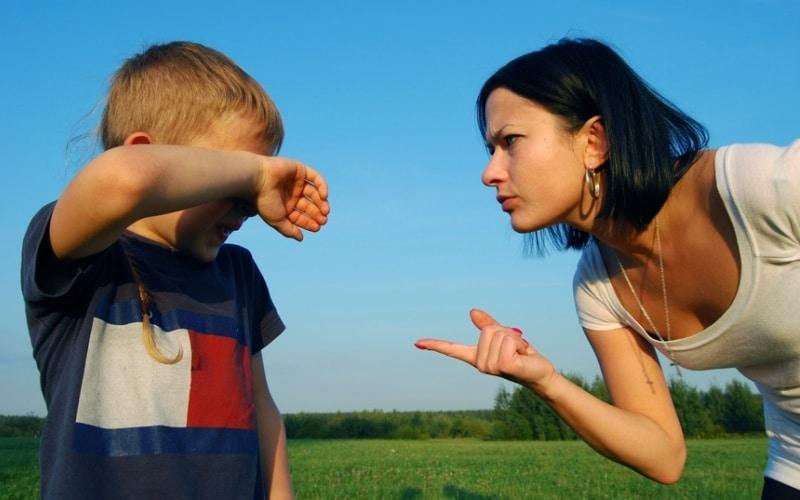 Воспитание ребенка: можно ли кричать на ребенка?