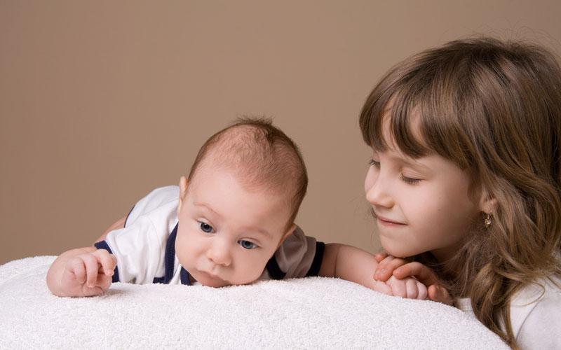 Как рассказать ребенку о появлении братика или сестрички