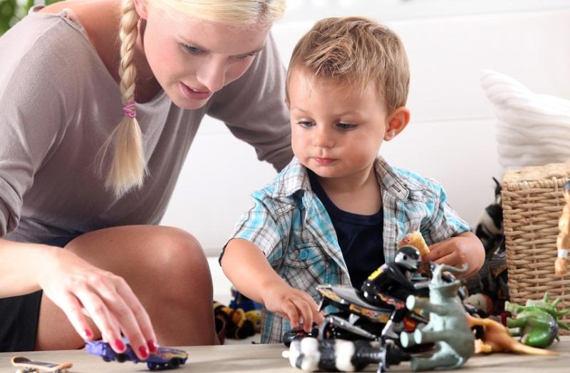 Советы родителям: как доверить ребенка няне