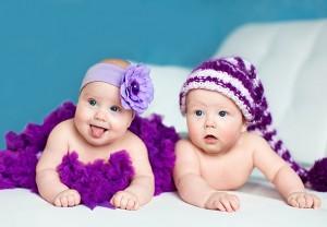 Близнецы и двойняшки: особенности и трудности