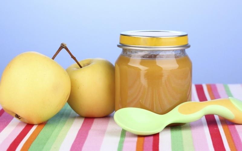 Прикорм ребенка: фруктовые пюре