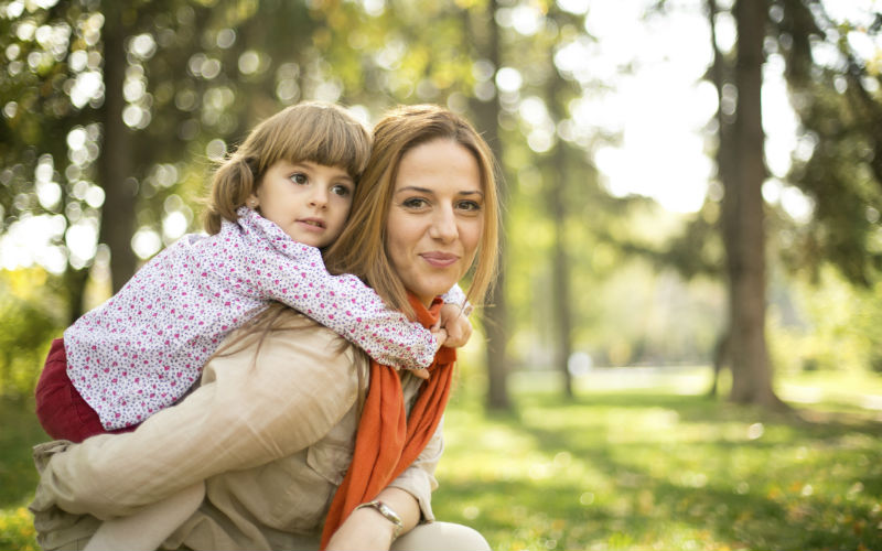 Советы мамам: как воспитывать девочку без отца