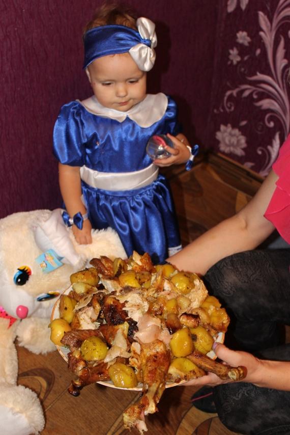 Жареный индюк с яблоками