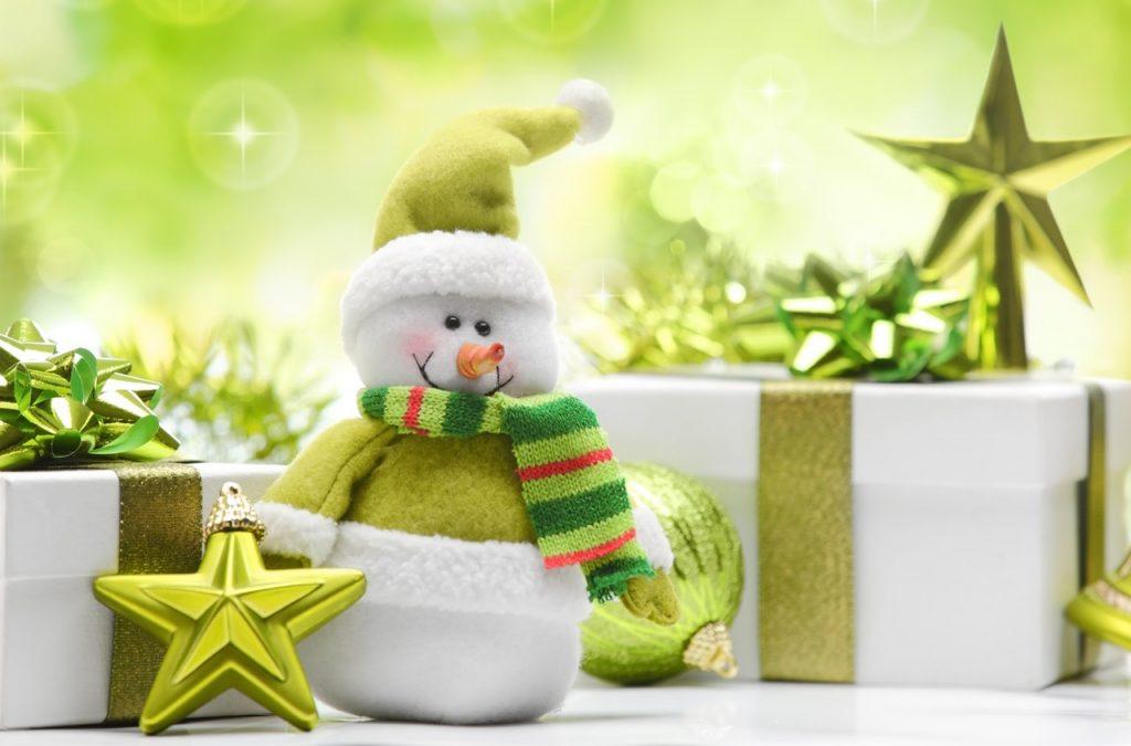 Новогодний утренник в детском саду: выбираем подарки