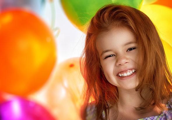 Новогодние развлечения для детей: конкурс «Лопни шарик»