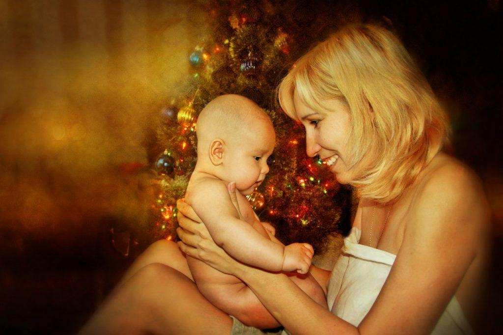 Советы, как встретить первый Новый год с ребенком