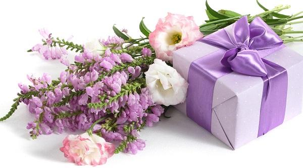 8 марта, цветы, подарки