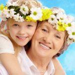 бабушка, внуки, внучка, веночек, цветы, лето, семья, дети, ребенок, девочка