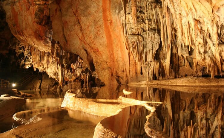 Оптимістична печера