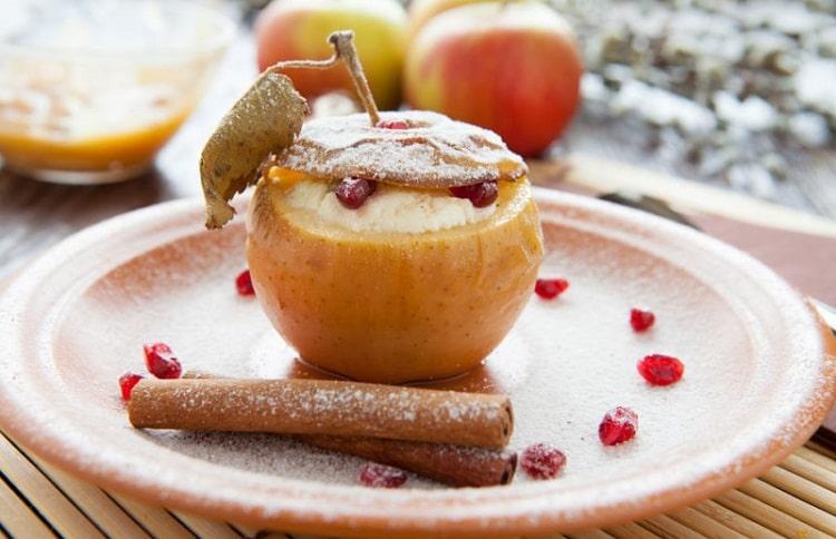 запечені яблука
