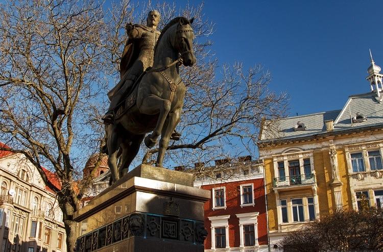 Пам'ятник королю Данилу Галицькому.